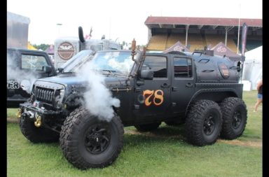 Loco Hauk Steam-powered 6x6 Jeep